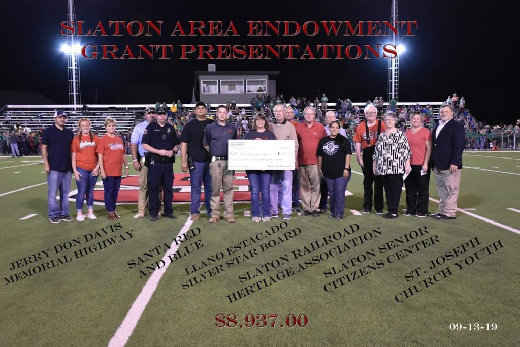 This image has an empty alt attribute; its file name is Slaton-Area-Football-Presentation-2-1024x6831-1.jpg
